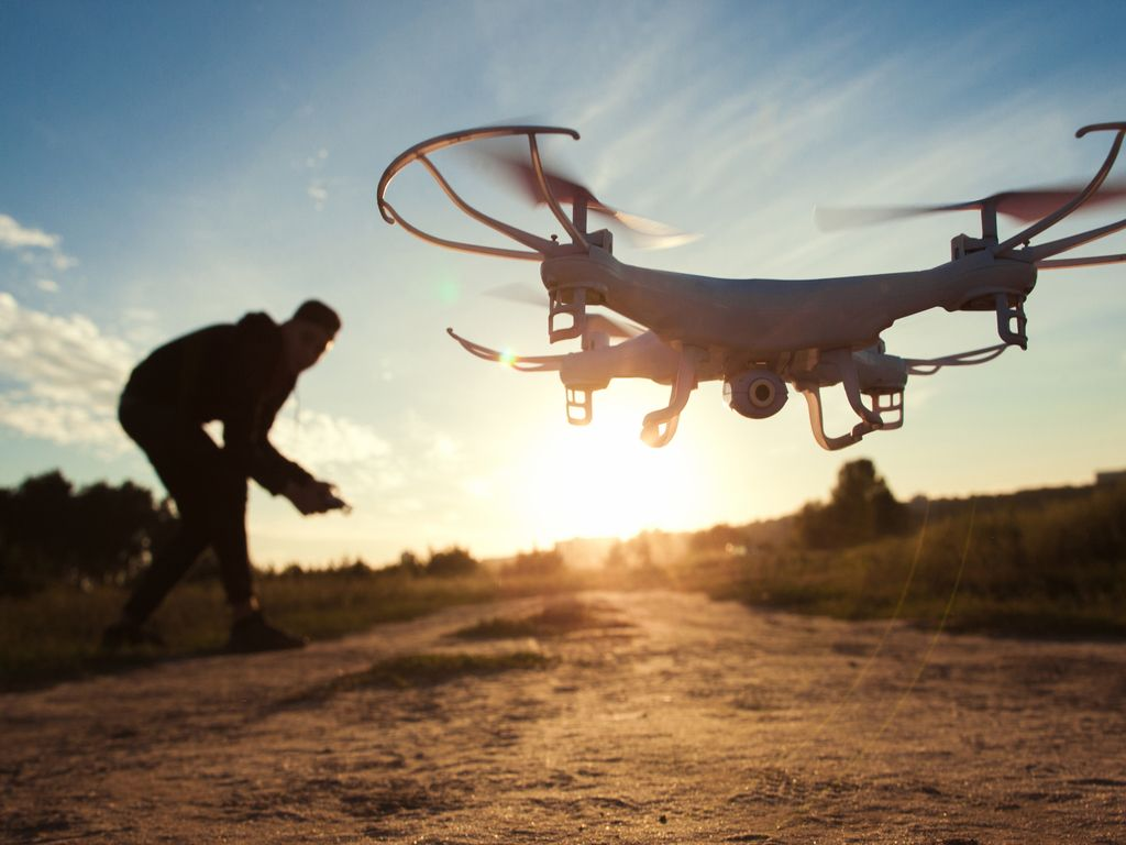 Drónok és Robotika